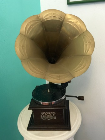 Anna wants a gramophone now